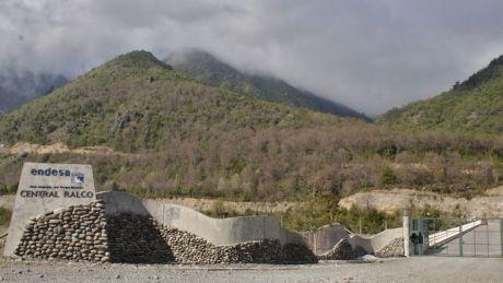 La central de Ralco, de Endesa, se inauguró en 2003 en la región cordillerana del Alto Bío Bío, al sur de Chile/ Foto: Jheisson A. López.