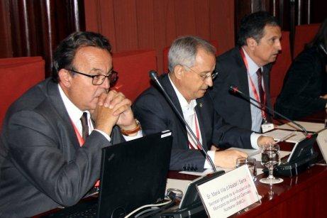 L'alcalde d?Alcanar i dos membres de la Plataforma Ciutadana del Sénia. Foto: ACN