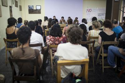 Un moment de la presentació de l'informe en el nou Espai de l'Immigrant situat al barri del Raval de Barcelona CARLA MORA