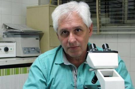 Dr. Raúl Lucero bioquímico e investigador del Instituto de Medicina Regional de la UNNE