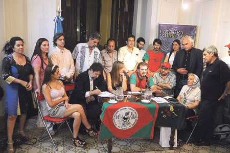 Legisladores y dirigentes de distintos sectores expresaron su repudio en una conferencia de prensa en la Cámara de Diputados. Imagen: Pablo Piovano.