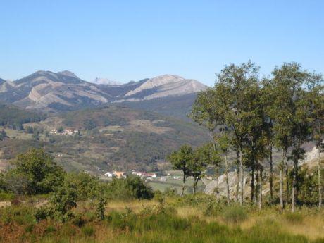 Municipio de la comarca del norte de Palencia.